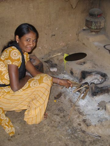 The Score-Stove is also more efficient helping limit exposure to cooking smoke. According to the World Health Organization, nearly three billion people still rely on biomass stoves which cause around two million premature deaths annually.