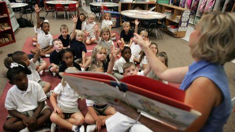Jennifer Davis says children do better in school when the year is longer.