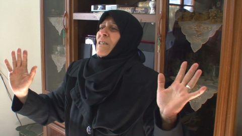 walsh syria aleppo girl shot_00015411