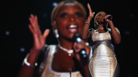 """Singer, songwriter, producer and actress Mary J. Blige performed Thursday, singing a a rendition of U2's """"One"""" and lit up the Twitter-sphere when she quoted her song, """"Family Affair,"""" """"Let's get it crunk for President Obama for four more years."""""""