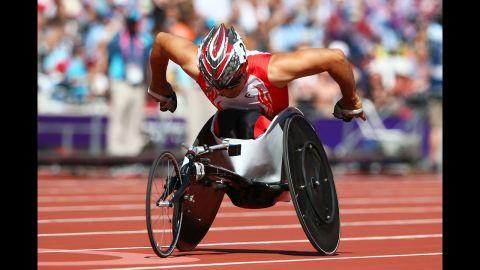 Japan's Jun Hiromichi competes Friday in the men's 200-meter T53 heats.
