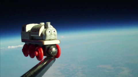 vo toy train in space_00004801
