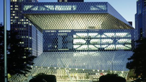 """Koolhaas' design for <a href=""""http://www.archdaily.com/11651/seattle-central-library-oma-lmn/"""" target=""""_blank"""">Seattle Central Library,</a> completed in 2004, was among the first of his public commissions to be internationally acclaimed."""