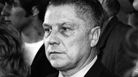 """<a href=""""http://www.cnn.com/2012/09/26/us/michigan-jimmy-hoffa-search"""">Union leader and organized crime boss Jimmy Hoffa</a> disappeared from a restaurant parking lot in a Detroit suburb in 1975 and was declared legally dead in 1982. In 2001, the FBI linked Hoffa to a car that was suspected of being used in his disappearance. In 2004, authorities searched a Detroit home to no avail. In 2006, the feds razed a horse barn in Michigan, and last year they drilled at a home in Roseville, outside Detroit. No leads have yielded a body and the infamous figure's final resting place remains famously unknown."""