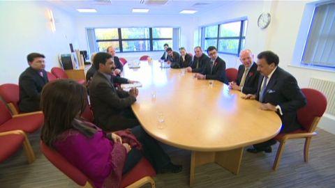 lkl UK politicians visit Malala in hospital_00001717
