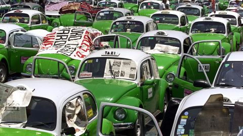 """One Mexico City taxi driver (file photo) told Seijas: """"It doesn't matter who wins the U.S. elections, they just better send the loser to sort things out here!"""""""