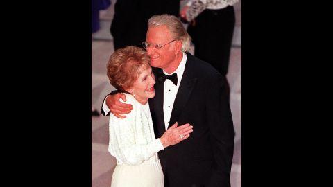 Former first lady Nancy Reagan greets Graham at the gala dedication of the Ronald Reagan Building and International Trade Center.