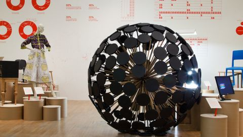 In the meantime, the Mine Kafon has been warmly received by design aficionados. It was recently showcased during Dutch Design Week and is due to be exhibited at New York's Museum of Modern Art early next year.