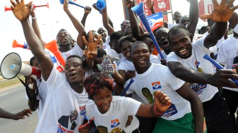 Supporters of Ghanaian opposition candidate Nana Akufo-Addo of the New Patriotic Party, in Kasoa, December 1, 2012.