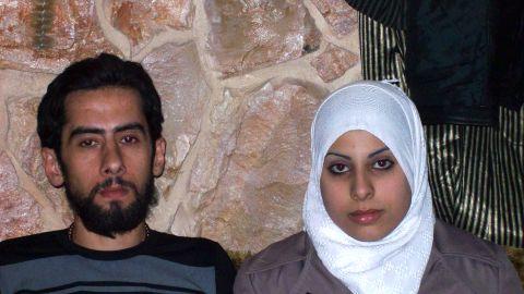 Mohammad Jumbaz and Ayat Al-Qassab got married in Syria despite the violence around them.