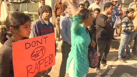 Women on alert after gang rape in India Kapur_00020107