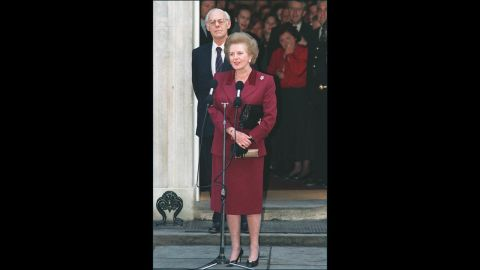 Thatcher, flanked by her husband Denis, addresses the press for the last time at 10 Downing Street before her resignation as prime minister in November 1990 after an internal leadership struggle among Conservatives.<br />
