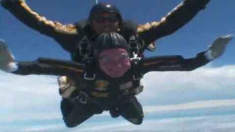 Fmr president George H.W. Bush celebrates his 85th birthday with a skydive
