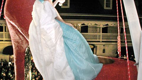 Marion appears as Sushi at the New Year's Eve celebration in 2001.