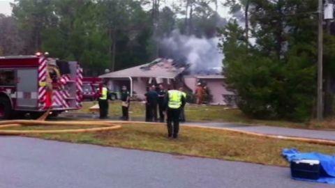 tsr florida plane crashes into home_00010126