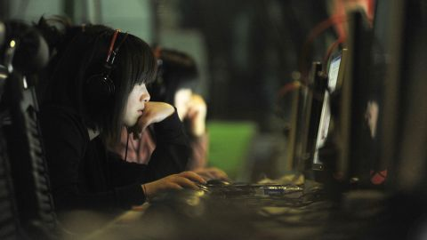 Chinese Internet users found access to many websites from inside the country blocked for a time.