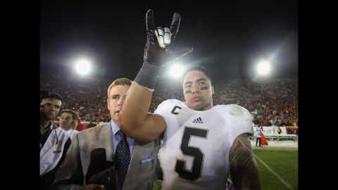 Te'o celebrates his team's 22-13 victory over the University of Southern California Trojans at Los Angeles Memorial Coliseum on November 24, 2012.
