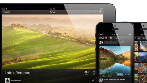 Apple banned 500px, a photo-sharing app, from its mobile store because the company says it can be used to find porn pictures.