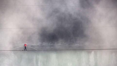"<a href=""http://www.cnn.com/2012/06/15/us/niagara-falls-tightrope-nik-wallenda/index.html"">Nik Wallenda walks the tightrope</a> over Niagara Falls on June 15, 2012. The tense 1,800-foot journey took 25 minutes, reports say."