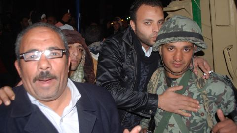 The army was called onto the streets. Many in Port Said blamed the police for the deaths and greeted the army as heroes, kissing soldiers as they passed.