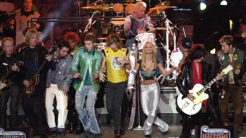 """Britney Spears, Aerosmith, 'N Sync, Mary J. Blige and Nelly put on an <a href=""""https://www.youtube.com/watch?v=oeLnwbJzLO0"""" target=""""_blank"""" target=""""_blank"""">entertaining show</a> in 2001, performing hits like """"Bye Bye Bye"""" and """"I Don't Want to Miss a Thing,"""" but it was the big finale where the entire group sang """"Walk This Way"""" that puts this performance into the halftime hall of fame."""