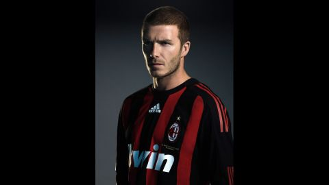 Beckham reveals his new No. 32 jersey after his loan move to AC Milan in 2008.