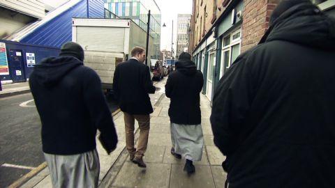pkg rivers muslim patrol in london_00004928.jpg