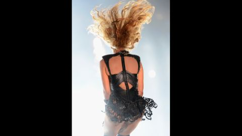 Beyonce spins while performing.