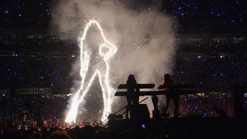 Spectators were treated to a giant lighted outline of Beyonce.