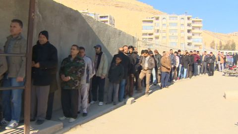 pkg pleitgen syria shortages_00001324.jpg