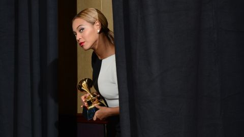 """Beyonce to herself upon entering the press room: """"I should go out there and sing live right now. Because I can."""""""