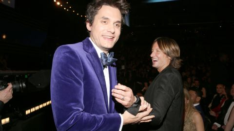 """Keith Urban to John Mayer: """"<a href=""""http://www.youtube.com/watch?v=85q_hRnl3oI"""" target=""""_blank"""" target=""""_blank"""">This is beautiful! What is that? Velvet?</a>"""""""