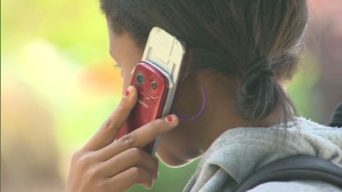 hm cell phone safety_00004614.jpg