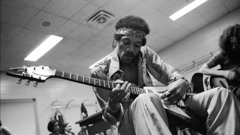 """<strong>Hendrix relaxes and jams with Noel Redding at Madison Square Garden in New York in 1969: </strong><br />""""He often would rehearse quietly before going on stage with a small amp and his Flying V as it suited his style of playing the blues."""" --<em> Eddie Kramer</em>"""