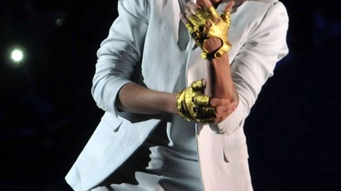 Justin Bieber performs live on stage at 02 Arena on March 4, 2013 in London, England