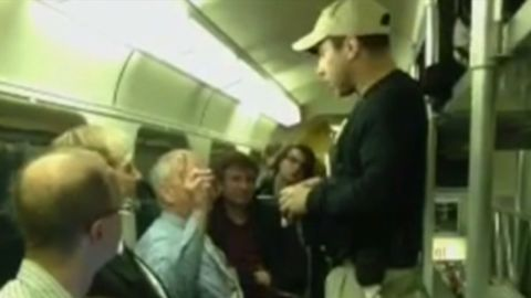 tsa agents look for nuclear material on chicago train_00013723.jpg