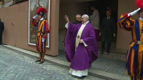 pkg wedeman  vatican francis sunday_00000114.jpg