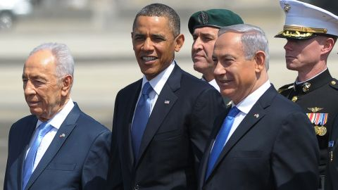 US President Barack Obama (C), Israeli President Shimon Peres (L) and Prime Minister Benjamin Netanyahu (R) on March 20, 2013.