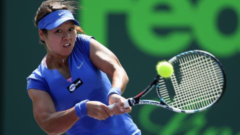 Li Na continued her comeback from injury with a 6-2 6-4 win over American Varvara Lepchenko.  The Chinese star, who  missed seven weeks of action after sustaining an ankle problem during her Australian Open final defeat, will face Spain's Garbine Murgurza in the next round.