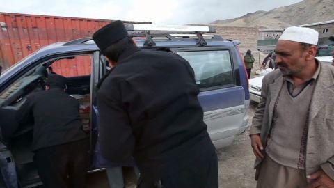 AFGHANISTAN POLICE HERO _00004424.jpg