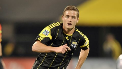 PHILADELPHIA, PA - AUGUST 10: Robbie Rogers #16 of the United States celebrates his second half goal during the game against Mexico at Lincoln Financial Field on August 10, 2011 in Philadelphia, Pennsylvania. The game ended 1-1. (Photo by Drew Hallowell/Getty Images)