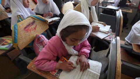 pkg coren afghan school girls_00000128.jpg