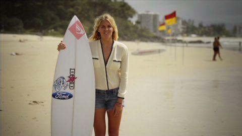 human to hero stephanie gilmore surfing_00001528.jpg