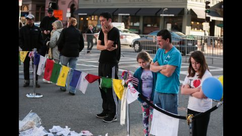 A makeshift memorial honors the bombing victims on April 21, 2013.
