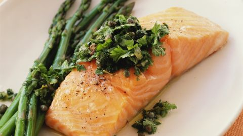Participants in a German study who consumed the highest amount of a type of omega-3 fatty acid called EPA (found in fatty fish, like salmon) had a lower risk of developing hay fever. This substance might quash allergy symptoms by reducing inflammation in the body, Ogden says.<br /><br />Don't eat fish regularly? Taking an omega-3 supplement with EPA can also help, she says.
