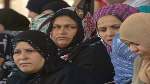 pkg pleitgen syria internal refugees_00010404.jpg