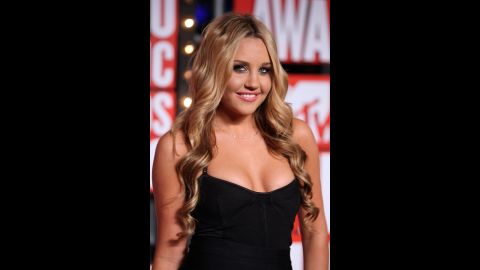 """Bynes hadn't yet announced that she was through with acting when she walked the red carpet at the 2009 MTV Video Music Awards. She <a href=""""http://marquee.blogs.cnn.com/2010/06/21/amanda-bynes-quits-acting-via-twitter/?iref=allsearch"""" target=""""_blank"""">saved that revelation</a> for the following June, only to announce that <a href=""""http://marquee.blogs.cnn.com/2010/07/26/amanda-bynes-ive-unretired/?iref=allsearch"""" target=""""_blank"""">she'd """"un-retired""""</a> by July."""