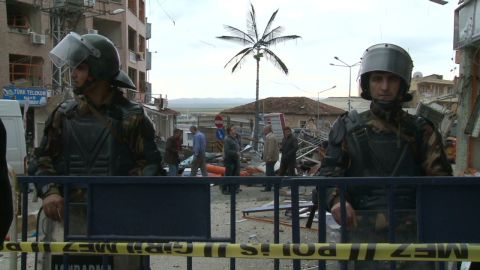 pkg jamjoom turkey syria tensions _00012209.jpg