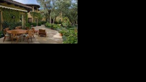 """Let's hope Christina Aguilera gets her money's worth out of this amazing patio outside her <a href=""""http://luxe.truliablog.com/2013/04/15/christina-aguilera-beverly-hills-mansion/"""" target=""""_blank"""" target=""""_blank"""">$10 million home in Beverly Hills.</a>"""