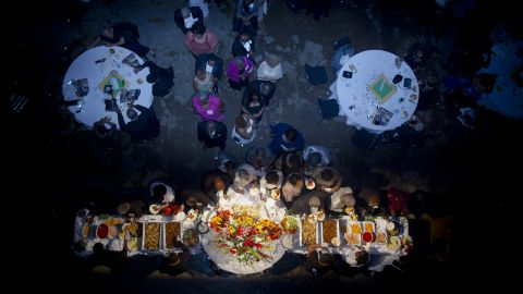 Attendees enjoy a feast.
